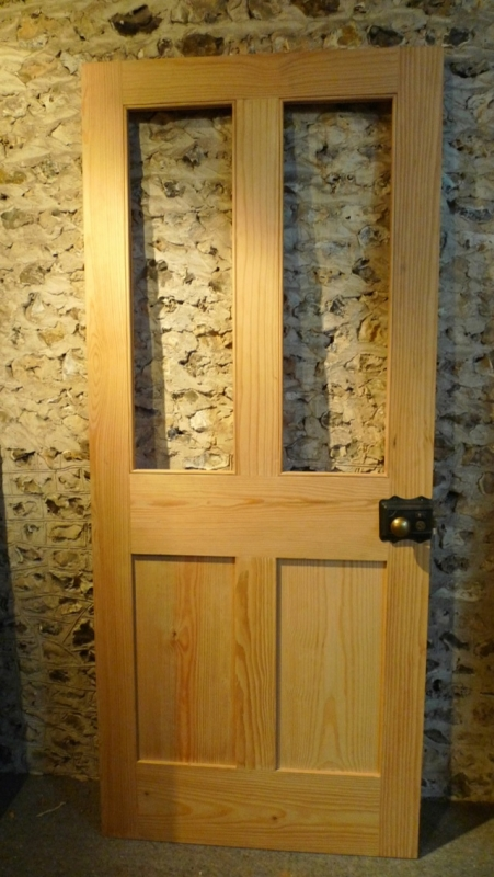 Shaker cottage or london plain style half glaze pine door